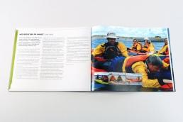 Design af plakat, brochure, klippoekort og katalog - Kajakhotellet. Katalog - Kajakhotellet