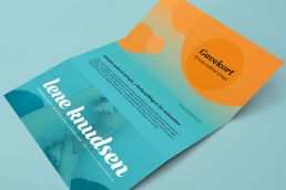 design af logo, visuel identitet, design af visitkort, plakat, design af hjemmeside og gavekort design. Word template og Word skabelon